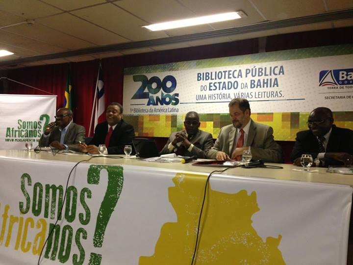 Da esquerda para a direita: Zulu Araújo, Elias Sampaio, embaixador Manuel Tomás Lubisse, embaixador Paulo Cordeiro e  Camilo Afonso. Foto: Guilherme Tavares