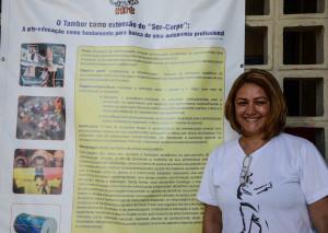 Carla Fabianny expôs trabalho que desenvolveu em oficinas com crianças na Feira de São Joaquim. Foto: Rayssa Guedes