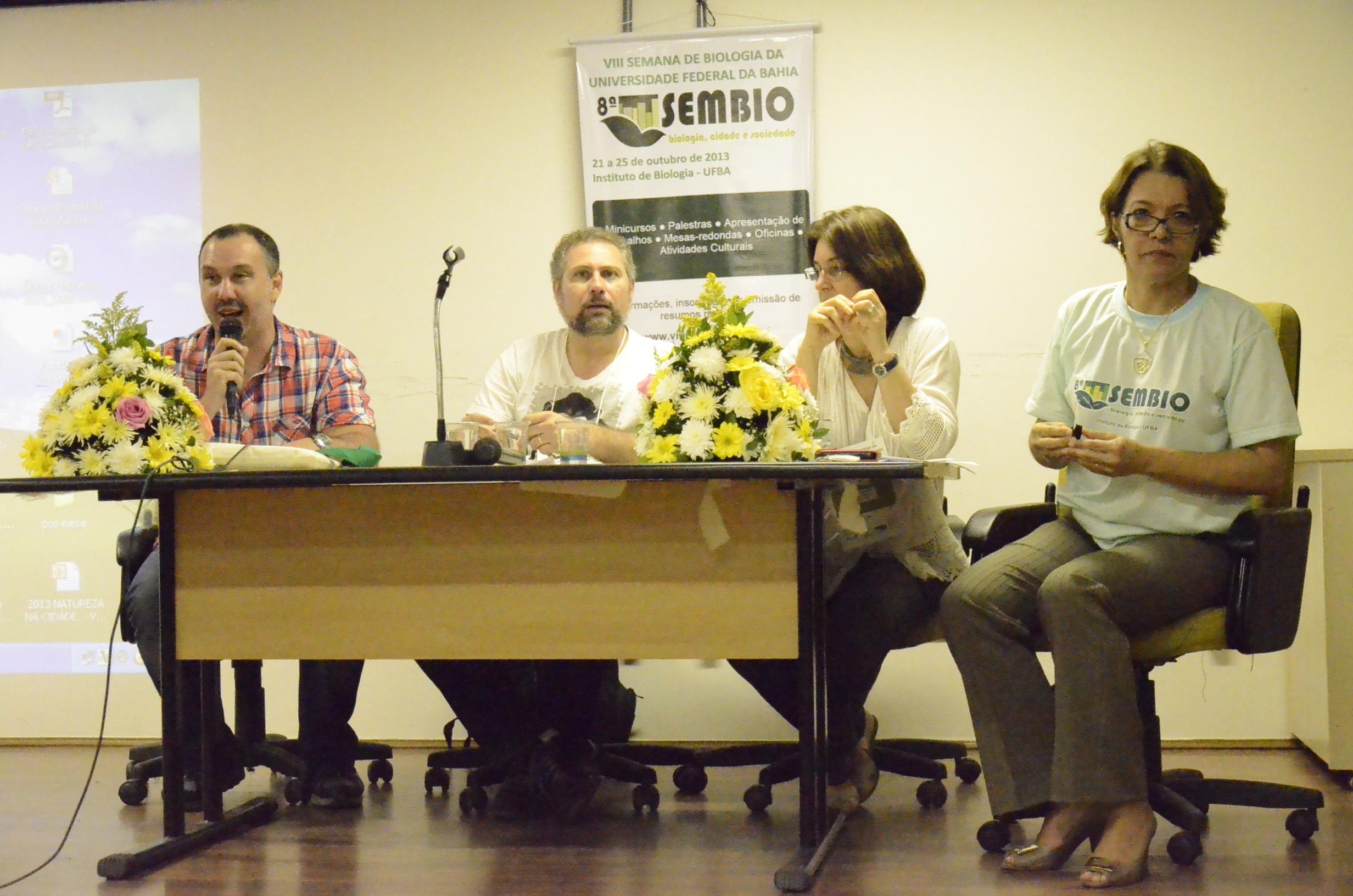 Mesa: Wendel Henrique, Aruane Gazerdin. Charbel, El-Hani e Sueli Almuiña. Foto: Vanice da Mata