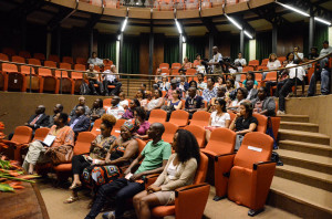 Plateia na conferência sobre o kiebé-kiebé. Foto: Vanice da Mata
