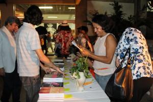 Evento de lançamento de livros e estreia do documentário, na Sala de Arte - Cinema da UFBA. Foto: Divulgação IX Enecult