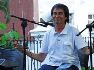 Aleilton Fonseca foi o convidado especial da 17a. edição do Sarau Prosa e Poesia. Foto: Lorena Brandão