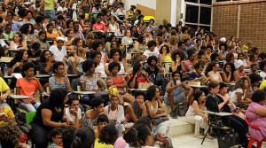 Conferência de Djamila lotou o auditório da FAUFBA