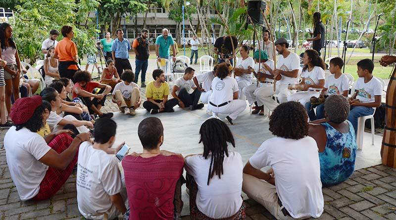 Aú: A UFBA e os/as Mestres/as de Capoeira