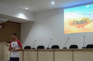 Victor apresenta projeto Árida / Foto: Glenda Dantas