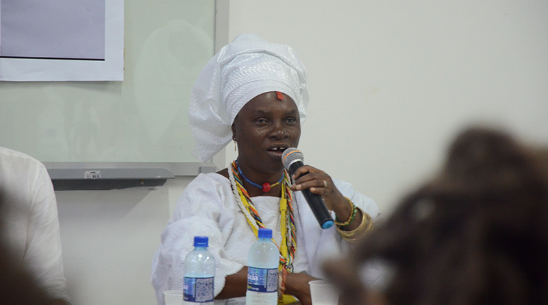 Princesa de Oxum na Nigéria debate na UFBA: 'espaço é para compartilhar conhecimentos'