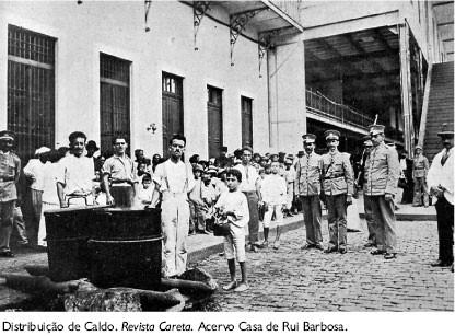 """Distribuição de caldo durante a """"gripe espanhola"""". Rio de Janeiro, 1919"""