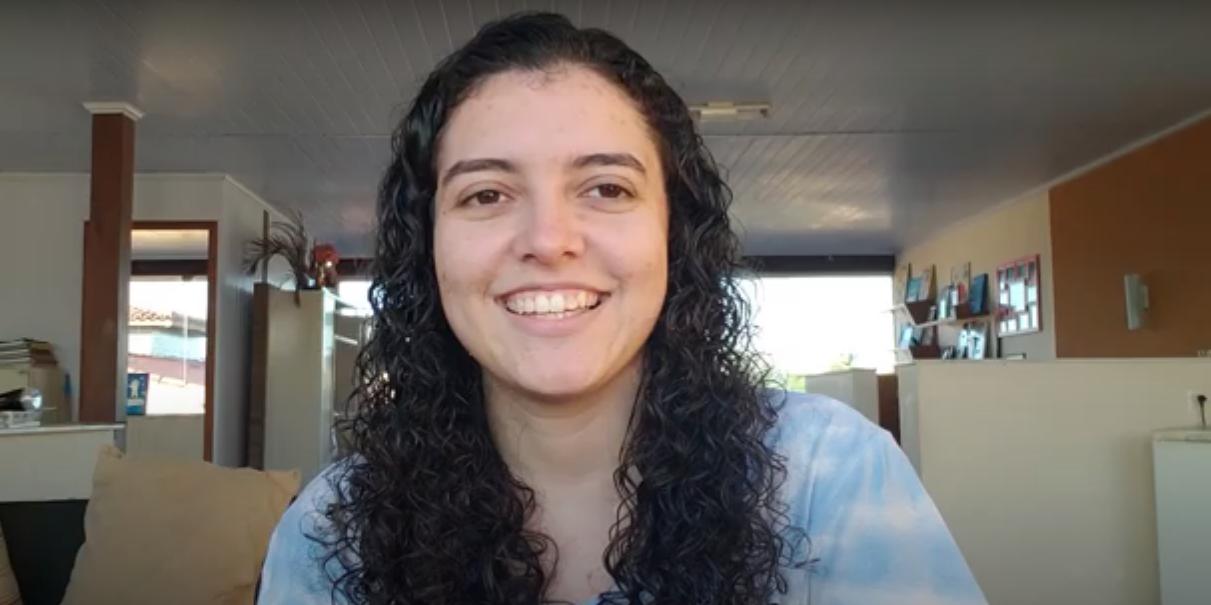 Conheça a estudante da UFBA que ensina programação para iniciantes no Youtube